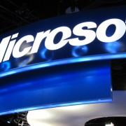 """""""Microsoft"""" sukūrė prieš naujuosius """"iPhone"""" nukreiptas reklamas, tačiau netrukus jas pašalino"""