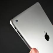 """Internete nutekėjo planšetinio kompiuterio """"iPad 5"""" korpuso nuotraukos"""