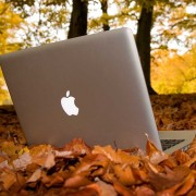 """Analitikas: kitais metais """"Apple"""" išleis 12 colių įstrižainės ekraną turintį """"MacBook"""""""