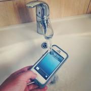"""Vandeniui ir smūgiams atsparus """"iPhone"""" dėklas """"LifeProof Fre"""": apžvalga"""