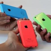 """Kokios yra populiariausios """"iPhone 5S"""" ir """"iPhone 5C"""" spalvos?"""