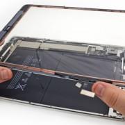 """Ekspertai: suremontuoti """"iPad Air"""" yra labai sunku"""