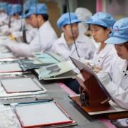 """""""iPhone"""" surinkinėjanti Taivano bendrovė svarsto galimybę dalį veiklos perkelti į JAV"""