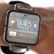 """Gandai: """"LG"""" gamins """"Apple"""" išmaniojo laikrodžio ekranus"""