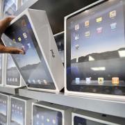 """Vagys iš važiuojančio sunkvežimio pavogė """"Apple"""" produktų už 95 tūkst. JAV dol."""