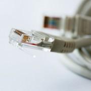 """""""Apple"""" svarsto, kaip vartotojams internetu persiųsti didžiulius kiekius duomenų"""