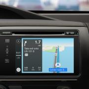 """""""Apple"""" pristatė """"CarPlay"""" funkcija, kuri leis integruoti """"iOS"""" sistemą į automobilius"""