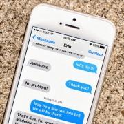 """""""Apple"""" iškelta byla dėl žinučių tarnybos """"iMessage"""" klaidos"""