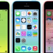 """""""Apple"""" bandys užkariauti Indiją su 8 gigabaitų talpos """"iPhone 5C"""""""