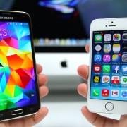 """Naujausioje reklamoje """"Samsung"""" šaiposi iš """"iPhone"""" baterijos (video)"""