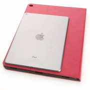 """Internete nutekintas tariamai """"iPad Pro"""" dėklas, palygintas su """"iPad Air 2"""""""