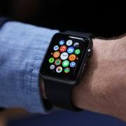 """Sukurta """"Apple Watch"""" aplikacija, kuri pilnai leidžia valdyti """"Tesla"""" automobilį"""