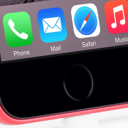 """Ups! """"Apple"""" netyčia pademonstravo, kaip atrodys """"iPhone 6C""""?"""