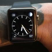 """""""Apple"""" patvirtino, kad tatuiruotės gali paveikti """"Apple Watch"""" širdies ritmo matavimus"""