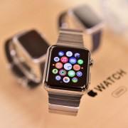 """""""Apple"""" parduotuvės jau sulaukia pirmųjų """"Apple Watch"""" prieš prekybos startą"""
