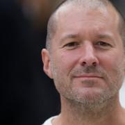 """Jonathanas Ive'as oficialiai tapo """"Apple"""" vyriausiu dizaino vadovu"""