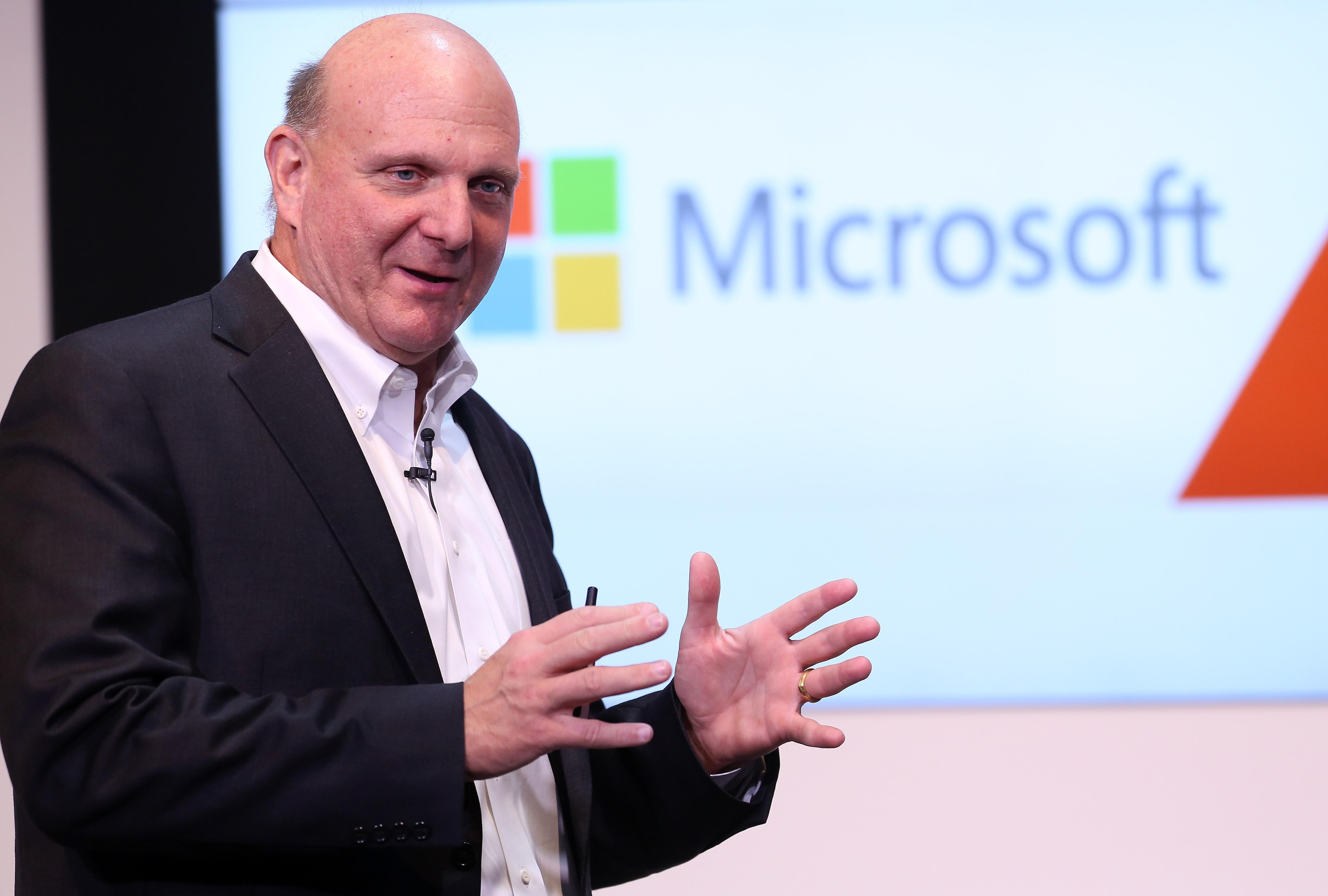"""Buvęs """"Microsoft"""" vadovas: """"Apple"""" išgelbėjimas buvo didžiausia klaida"""