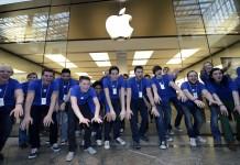 """""""Apple"""" darbuotojai"""