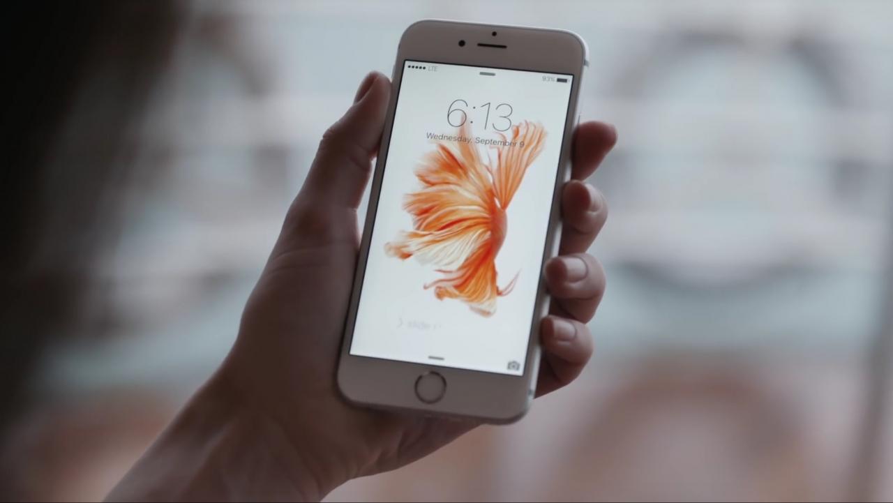 """Svarbu žinoti: neautorizuotas pagrindinio """"iPhone"""" mygtuko keitimas gali sugadinti telefoną"""