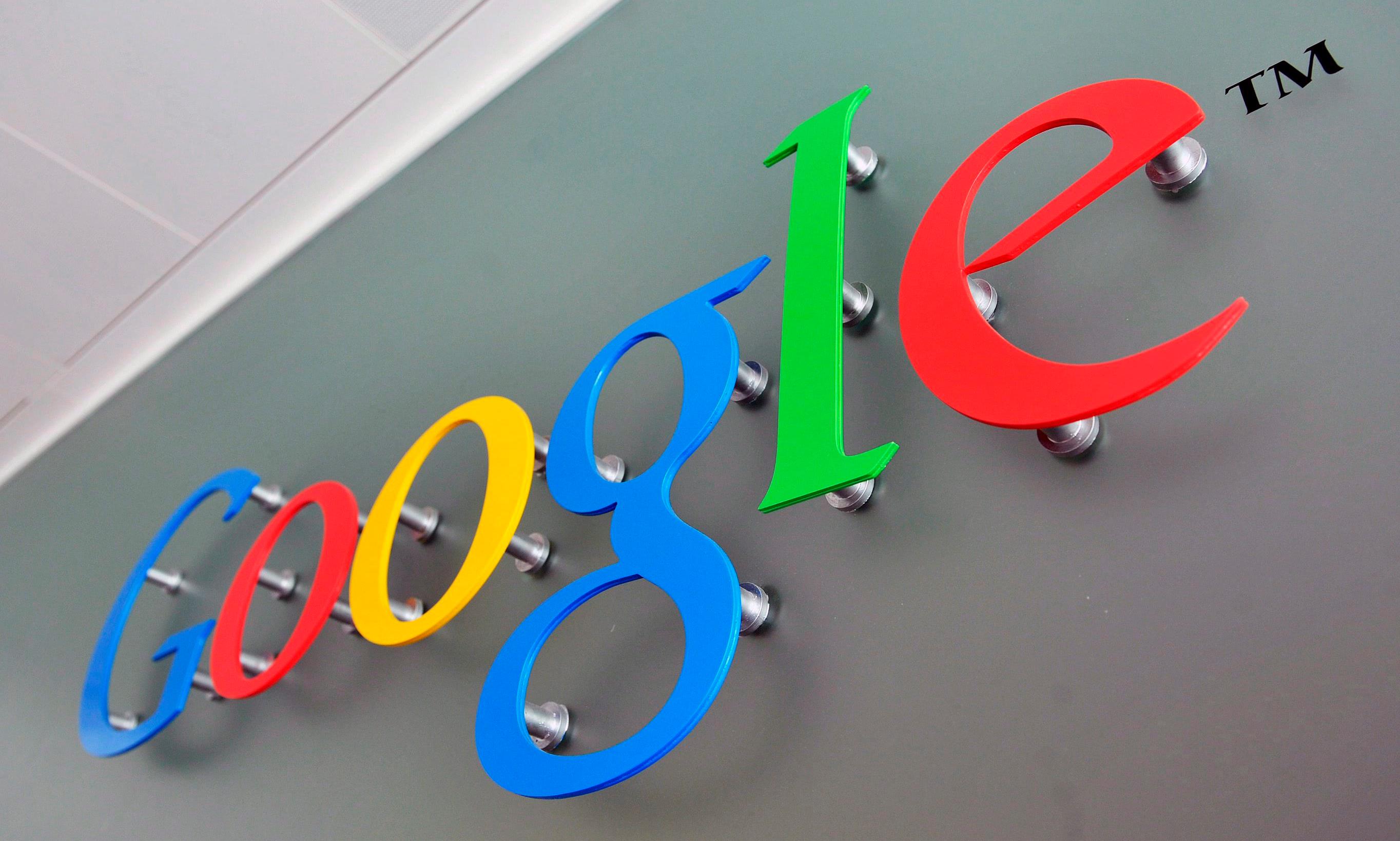 """""""Apple"""" vertingiausios kompanijos titulą gali atiduoti konkurentei – """"Google"""""""