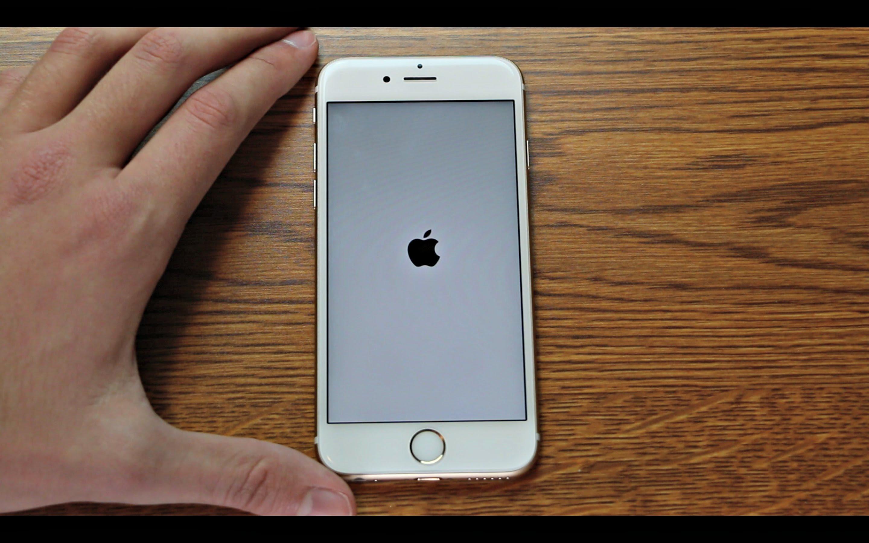 """""""Apple"""" atsiprašė dėl """"klaidos 53"""" ir išleido """"iOS"""" pataisymą"""