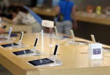 """""""Apple"""" parduotuvė ir produktai"""