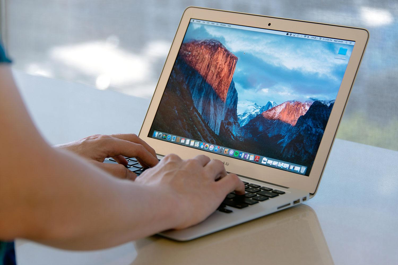 """""""OS X 10.11.4"""" atnaujinimas: galimybė dalintis """"Live Photos"""", saugesni užrašai ir dar daugiau"""