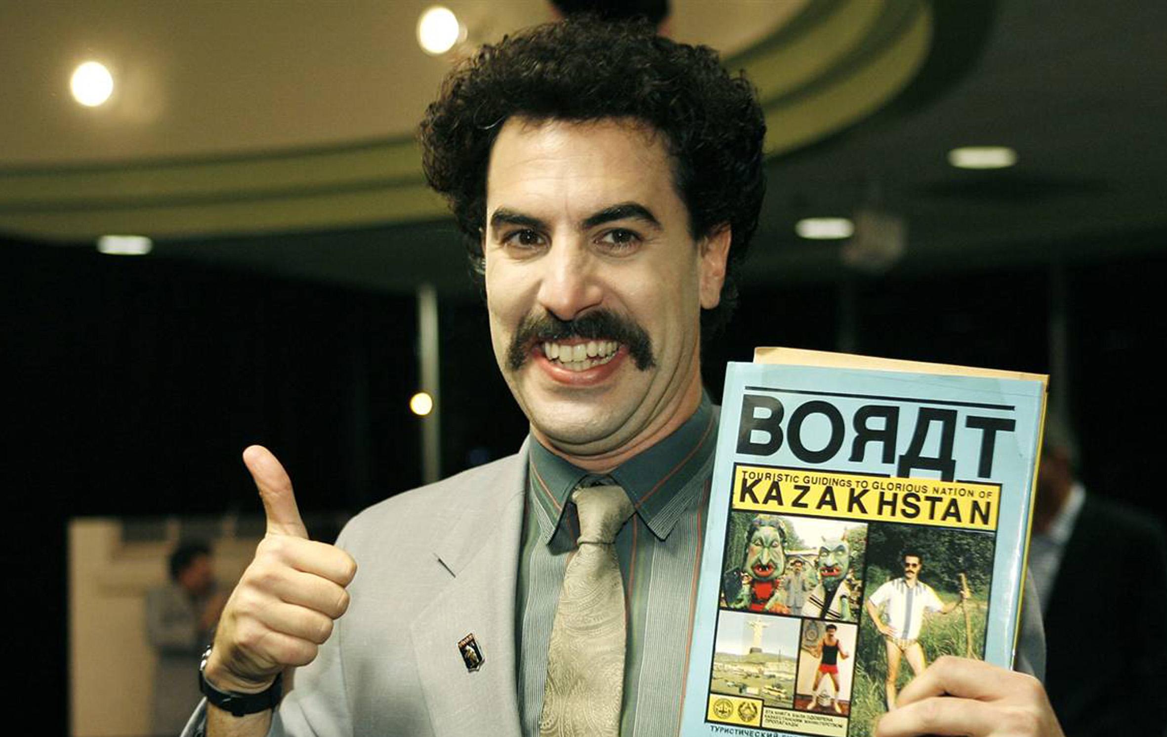 """""""Borato"""" kūrėjas naują filmą pristatė """"Apple"""" stiliumi"""