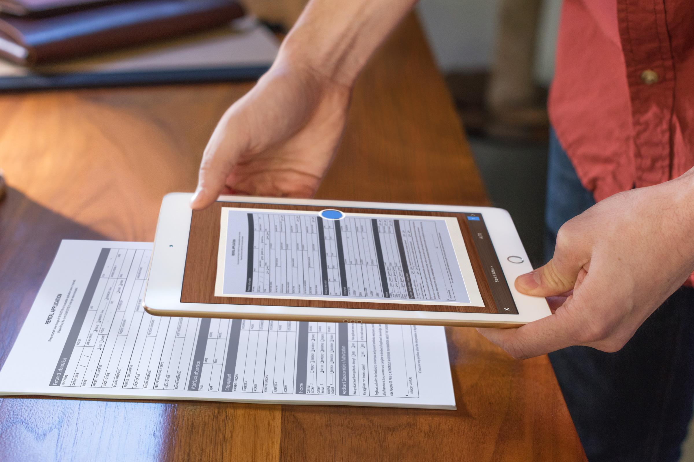 """Gandas pasitvirtino: """"Apple"""" pristatė mažesnę """"iPad Pro"""" versiją"""