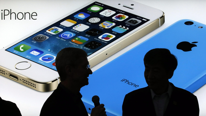 """Palyginti trys galimi telefono """"iPhone SE"""" dizainai"""